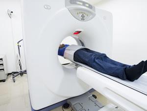 医療機関でのMRIの画像診断
