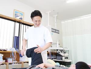 交通事故による関節の痛みの施術写真