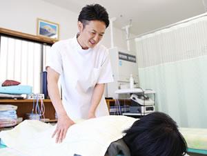 腰痛施術の写真
